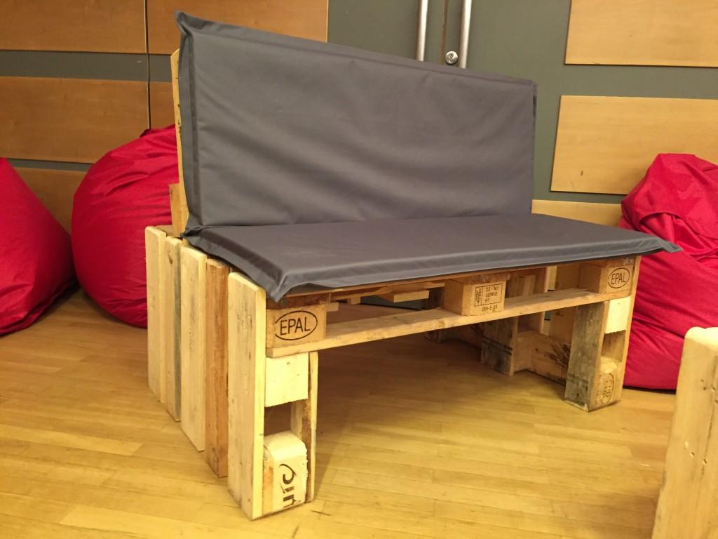 europaletten europalette eur palette epal europoolpalette neu 120x80x15 cm business. Black Bedroom Furniture Sets. Home Design Ideas