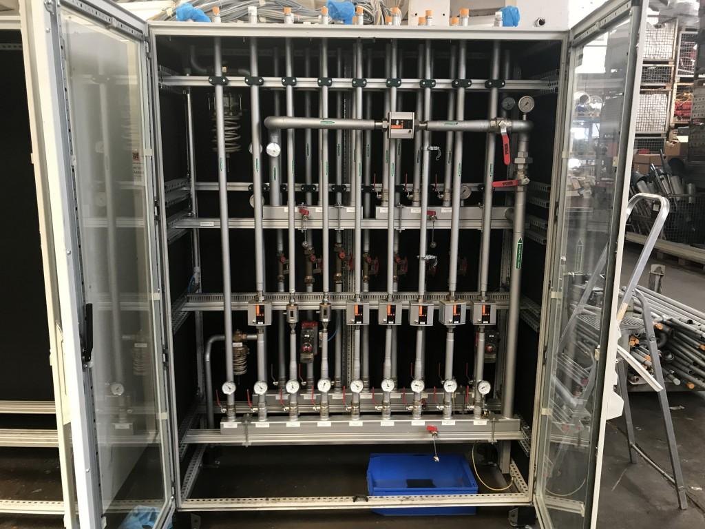 Rittal Schaltschrank Kühlwasserverteiler Leerschrank Sichttüren ...